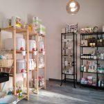 Zona oeste de la tienda. Limpieza, cosmética e higiene personal